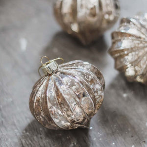 Curved Aged Sparkle Bauble