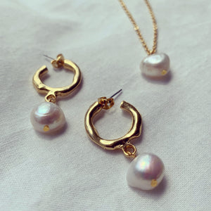 24k Gold Plated Pearl Earrings