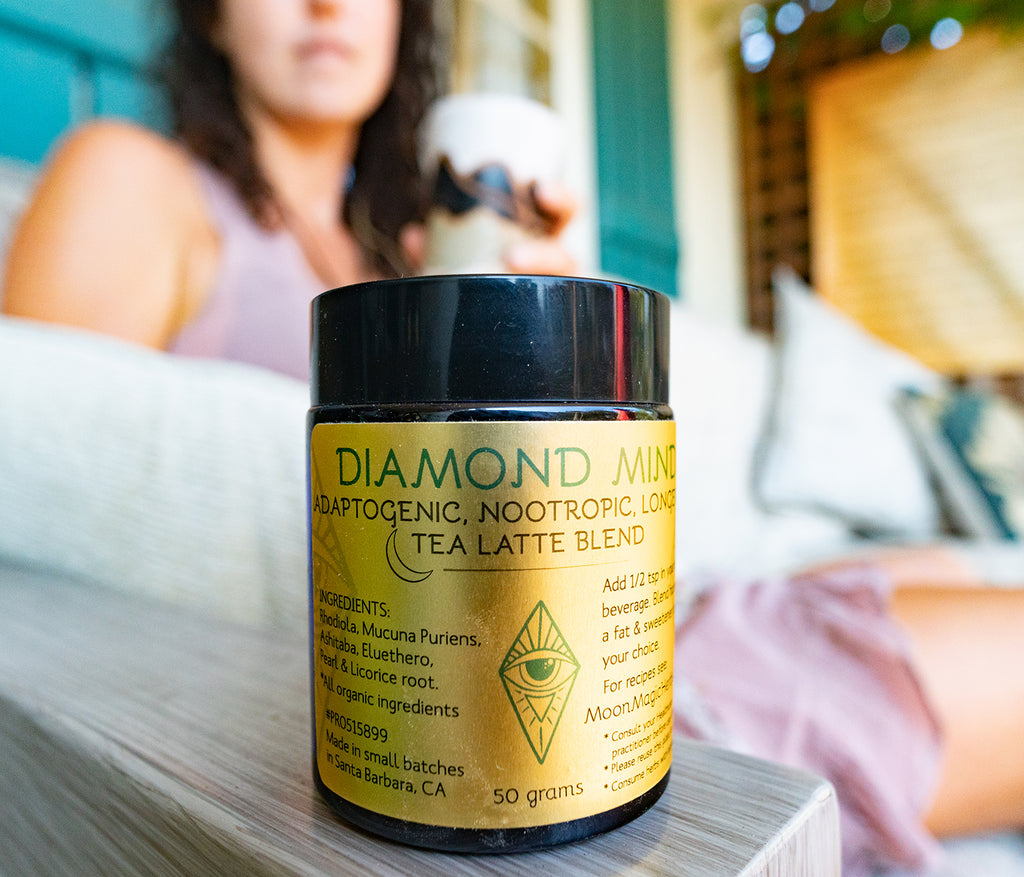 Diamond Mind, an adaptogenic, nootropic, longevity organic herbal tea latte blend.