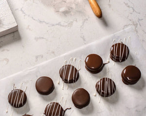15 Milk Chocolate Alfajores - Dulceology