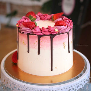 Load image into Gallery viewer, Chica Fresa Cake - Dulceology