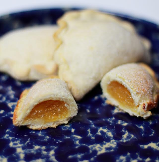 Load image into Gallery viewer, Pastelitos de Piña VEGAN - Dulceology