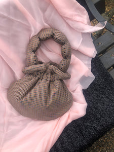 Brown Gingham Scallop Handle Bag