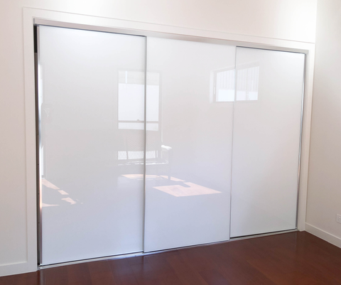 Super White Glass Sliding Wardrobe Door System