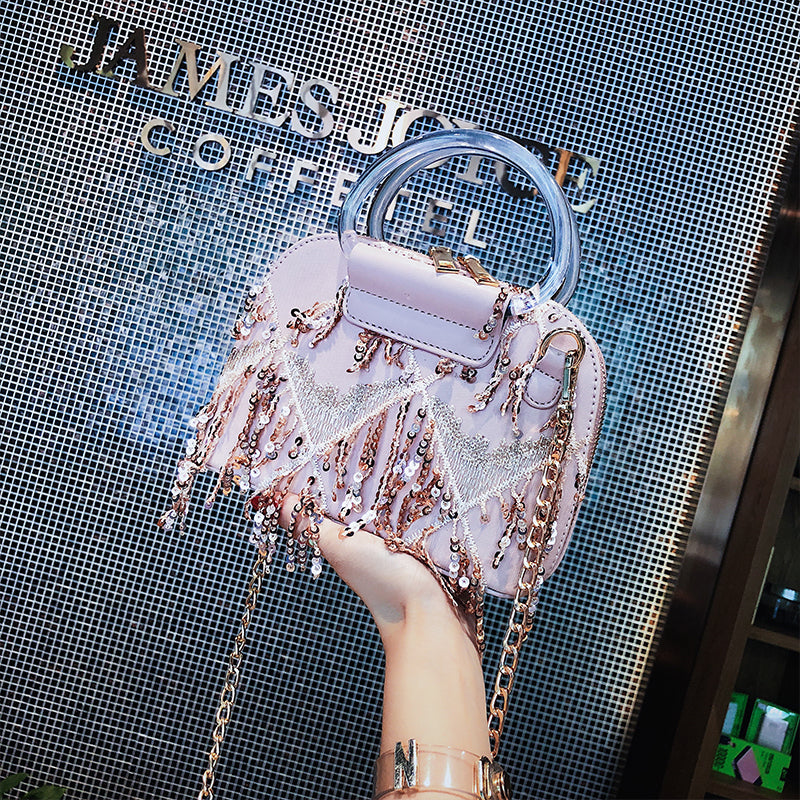 New small bag female 2020 new wave of Korean version of Mobile Messenger bag fashion tassel chain shoulder bag shell bag