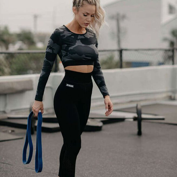 Better Bodies Athlete Tawna Eubanks with Heavy Resistance Band