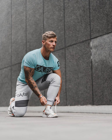 gavelo's new light blue eco friendly gym t-shirt paired with their organic cotton victory softpants. A bright gym outfit ideal for the summe