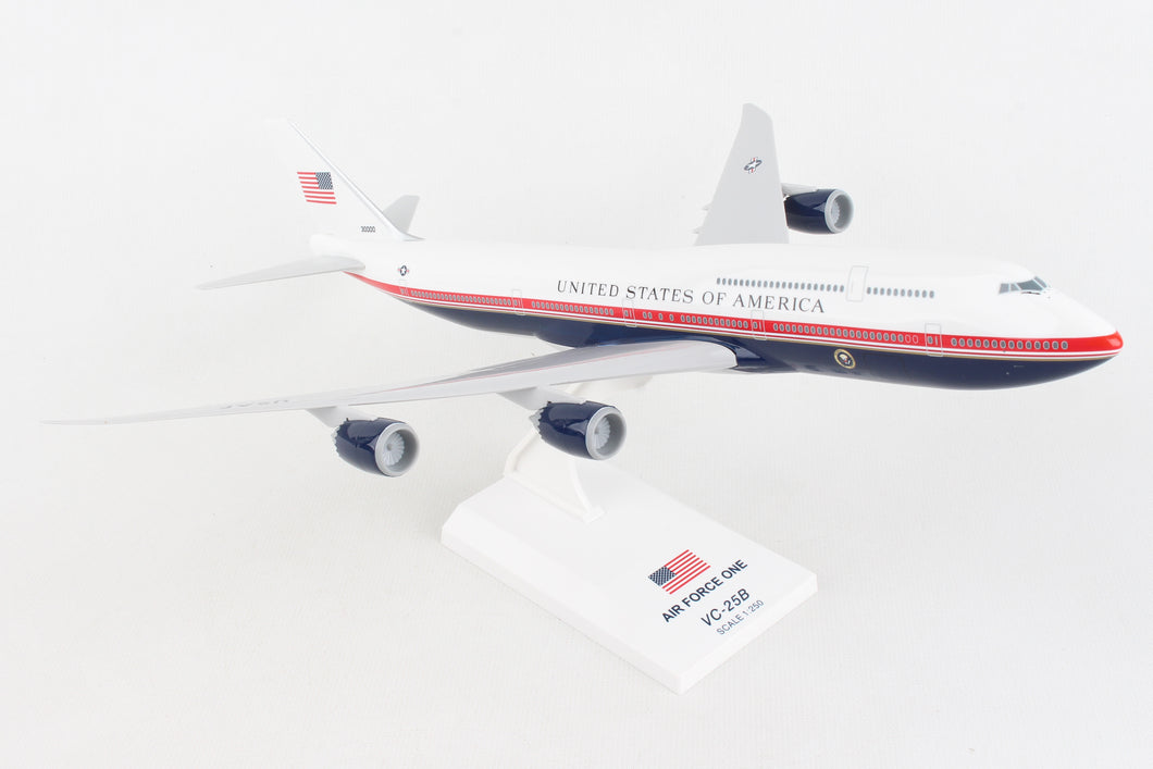 SKR1069 SKYMARKS AIR FORCE ONE 747-8 1/250 (VC-25B)