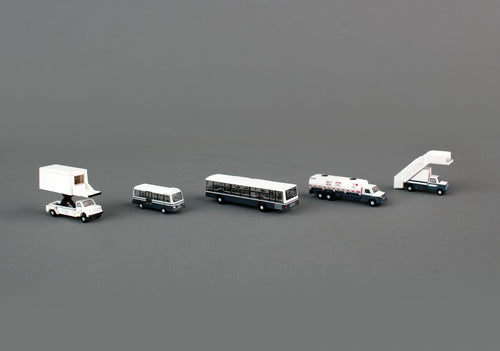 G2APS450 GEMINI200 AIRPORT SERVICE VEHICLES 1/200 - SkyMarks Models
