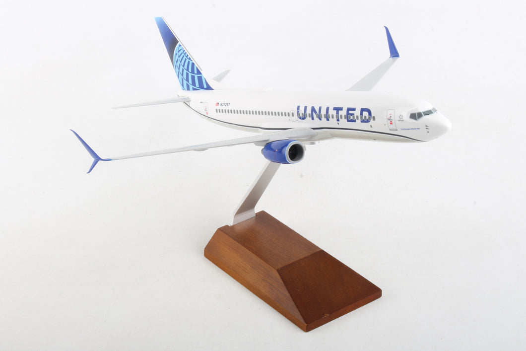 SKR5166  SKYMARKS UNITED 737-800 1/130 W/WOOD STAND 2019 NEW LIVERY - SkyMarks Models