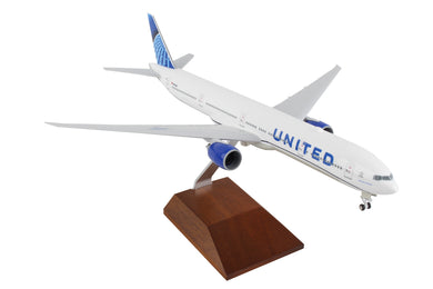 SKR5173 SKYMARKS UNITED 777-300 1/200 W/WOOD STAND 2019 NEW LIVERY