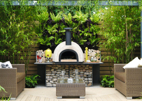 Outdoor eating areas for urban gardens