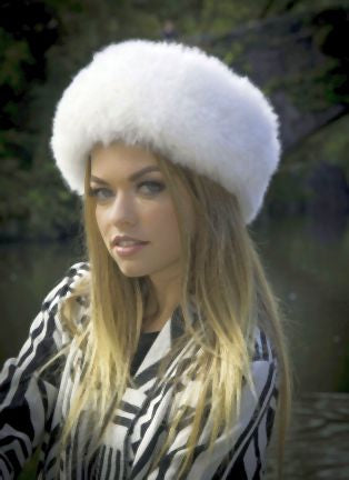 Apaca Russian Hat - White