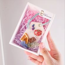 Load image into Gallery viewer, Christmas scented wax tablet collection packed in gift box