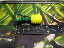 Load image into Gallery viewer, Paracord Pineapple