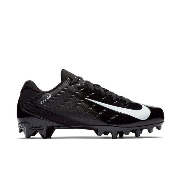 Nike Vapor Untouchable Varsity 3 TD Football Cleat in Black