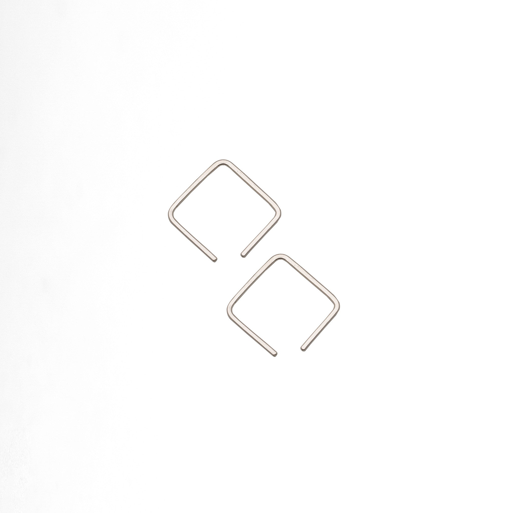 Cube Wire Earrings Medium - Plateaux Jewellery