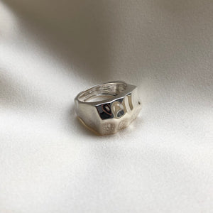 Folded Signet ring - Plateaux Jewellery