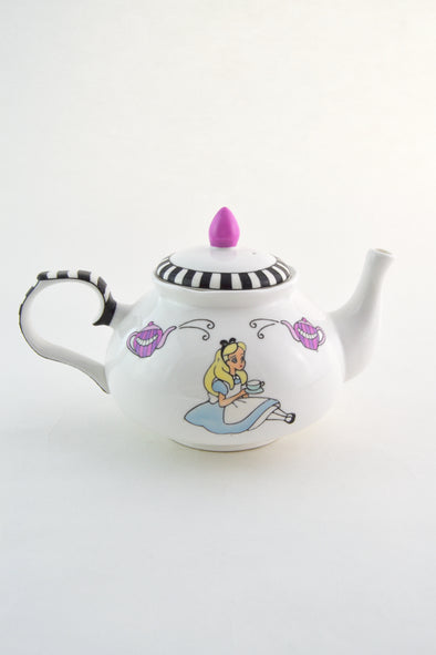 Alice's Tea Party Teapot (4cup)