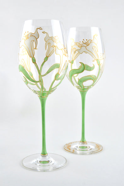 Lily Wine Glass