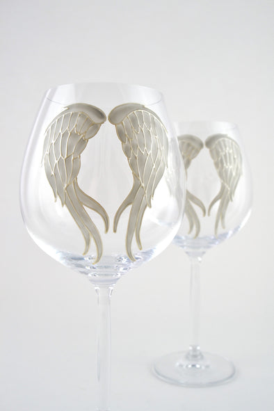 Angel Wings Large Wine Goblet (grey/pearl)
