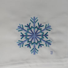 Load image into Gallery viewer, Snowflake Embroidery File PES 4x4 ❅❆❅ Fine Leaf ❅❆❅ - taylorsprinkle.com