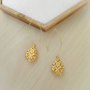 Gothic Earrings in Gold