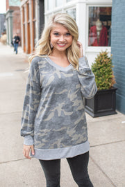 Liza Camo V-Neck Sweatshirt Green