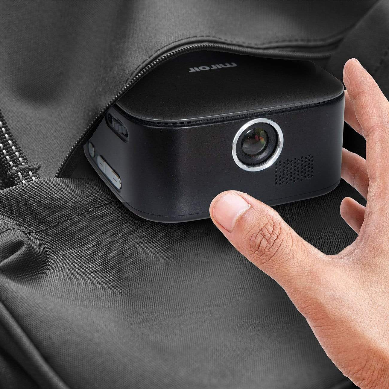 Micro Pocket Projector M75