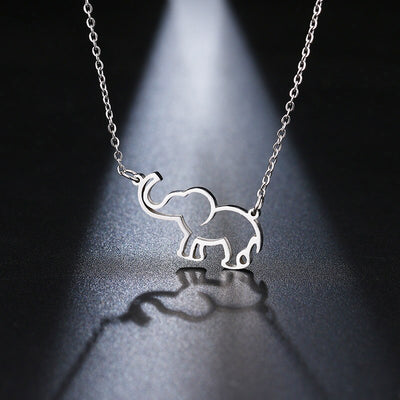 Collier metal elephant