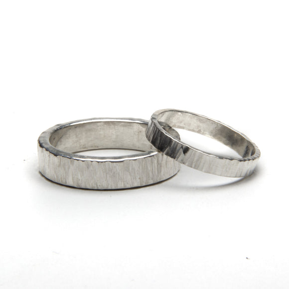 Cross Hammered and Polish Ring Set