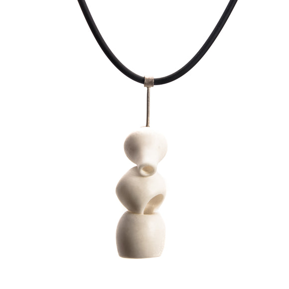 Triple Valve Porcelain Necklace rubber