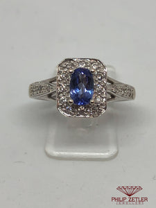 18ct White Gold Oval Tanzanite Ring