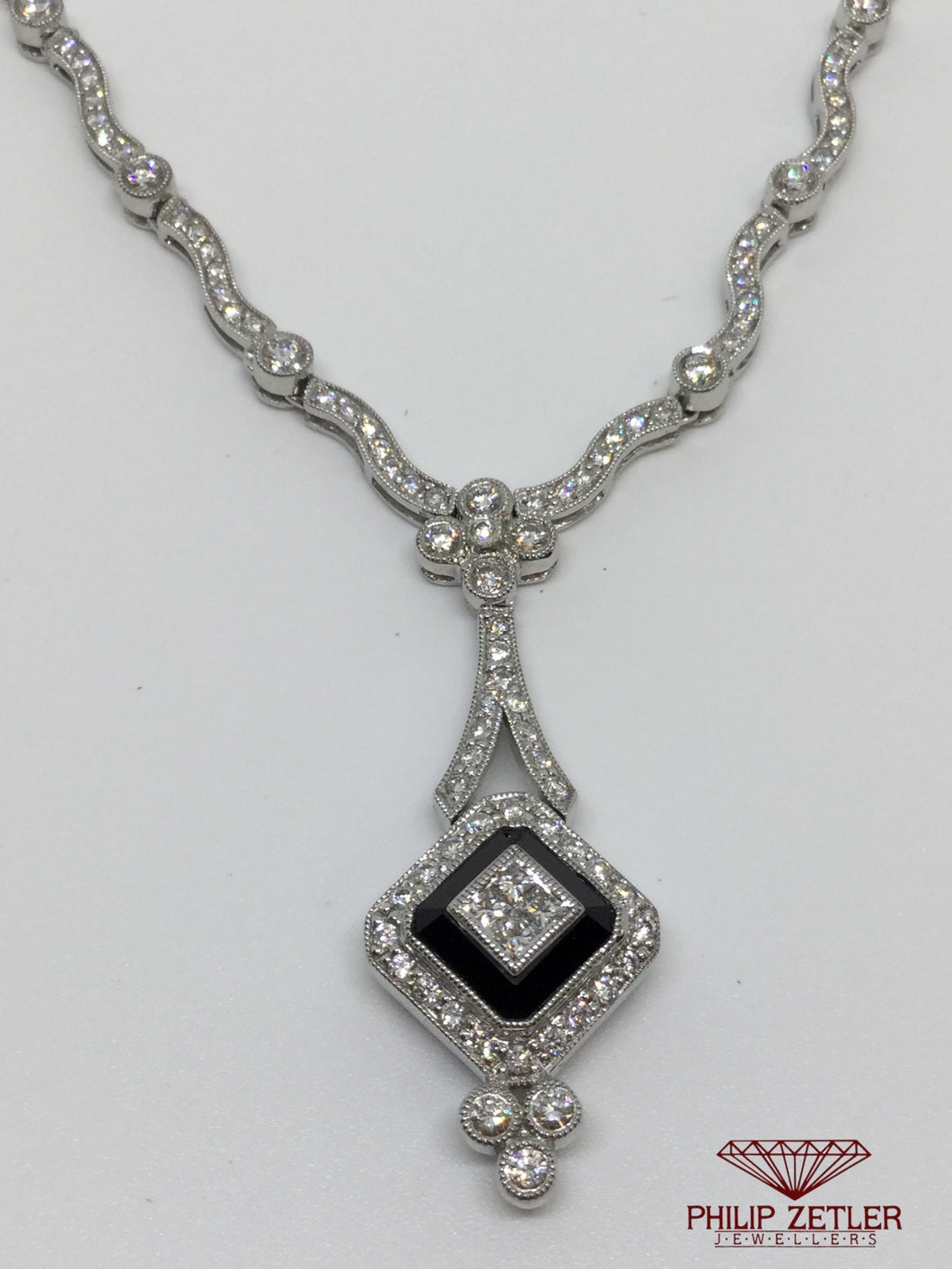 18ct White Gold Diamond Necklace & Pendant