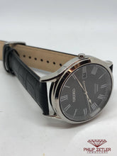 Load image into Gallery viewer, Seiko Gents  Black Dial Roman Numerals
