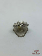 Load image into Gallery viewer, Diamond and White Gold Heart Shape Ring