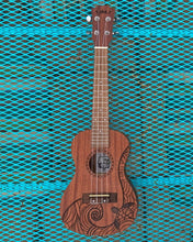 Load image into Gallery viewer, The Vacationer Concert Ukulele Beginner Kit