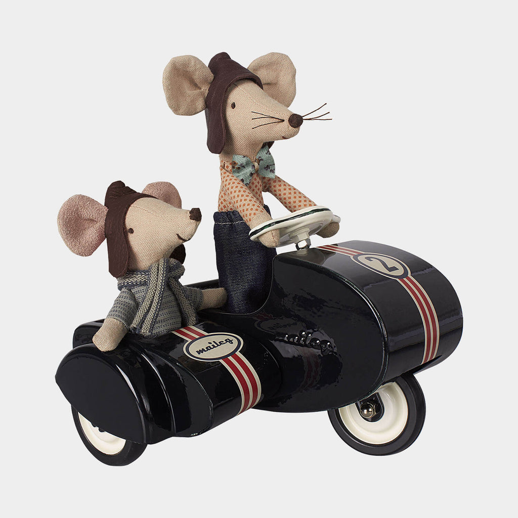 Maileg mouse black scooter