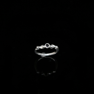 Conches Ring - 3mm Round Center Stone - Silver