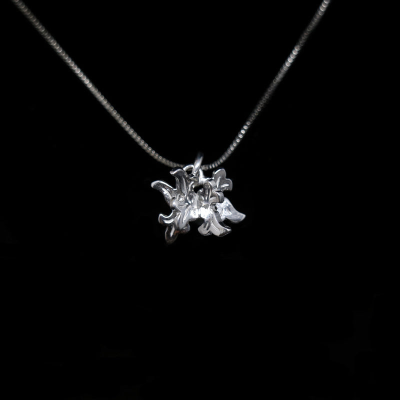 Acanthus Necklace - Large Acanthus Pendant - White Gold
