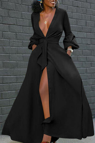 Sexy Trumpet Sleeves Wrinkled Black Dress