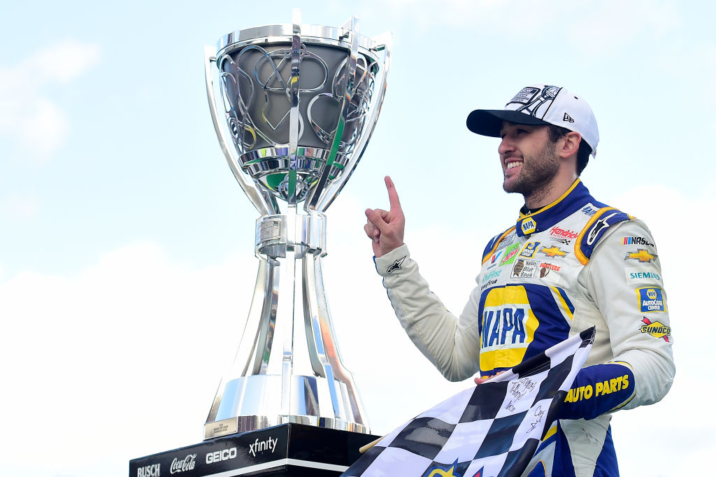 CHASE ELLIOTT WINS MAIDEN NASCAR CUP SERIES CHAMPIONSHIP CROWN AT PHOENIX RACEWAY