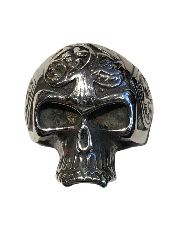 Skull ring with ace of spades accents