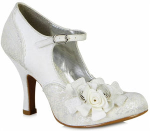 Perfect for your special day, Ruby Shoo favourite Emily is a bar shoe with a luxurious twist. Metallic brocade uppers with soft panels in faux suede, and an adorable trio of flowers set in a corsage, give your special occasion that touch of glamour.