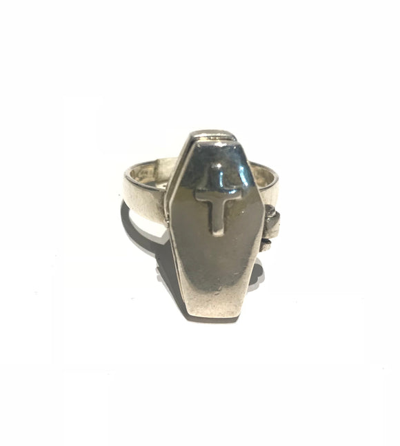 925 small coffin ring with cross on the lid, opens to reveal a skeleton inside
