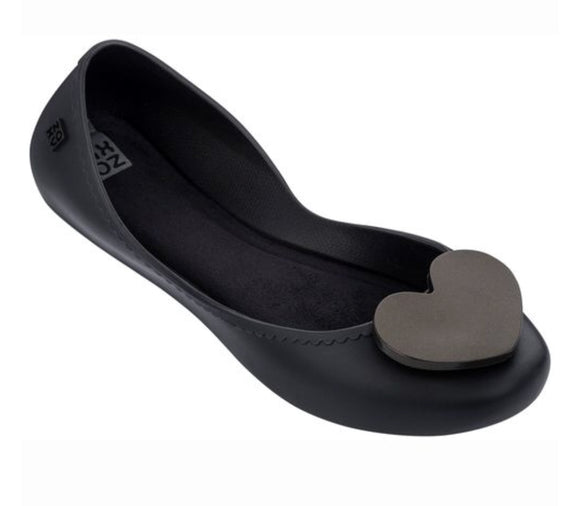 BLACK HEART FLATS - LAST PAIR!