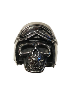 Perfect ring for veterans and WWII afficianados, featuring a skull wearing a fighter pilot helmet