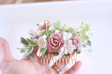Load image into Gallery viewer, Floral hair comb - All that Glitz