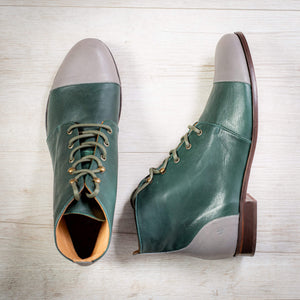Model Alice Boots Can Toe Green Grey: Weiches Leder, Handmade aus Spanien. Damen Tanzschuhe, Zweifarbig, flache Absatz. Lindy Hop, Shag, Blues und Charleston, Vintage Retro Look.