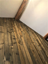 Load image into Gallery viewer, rustic wood - lava butte PLANKS -  20sf per box